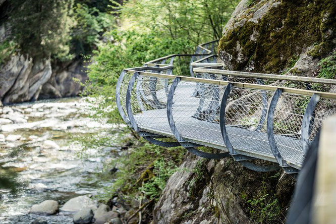 Pedane sospese lungo il torrente Passirio