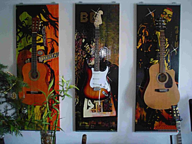 So hängen die Gitarrenhalter bei mir Zuhause