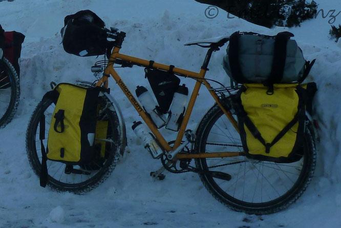 Ausrüstung Reiserad Wintertour