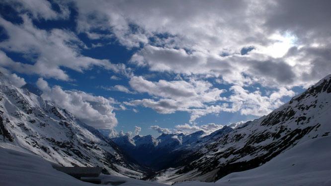 Blick von der Anenhütte ins Lötschental