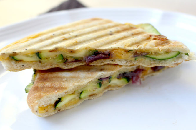 Grilled sandwiches are the perfect solution for a busy weeknight, and this vegetarian zucchini panini is packed with flavor! - www.homemadenutrition.com