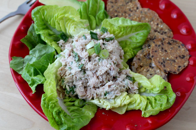 healthy no-mayo tuna salad! so light and quick with bright flavors! - by homemade nutrition - www.homemadenutrition.com