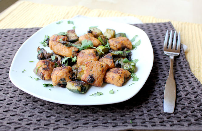 These southwestern sweet potato gnocchi with sauteed black beans, veggies, and cilantro are an amazing, satisfying vegetarian dinner.  These are so flavorful!  www.homemadenutrition.com