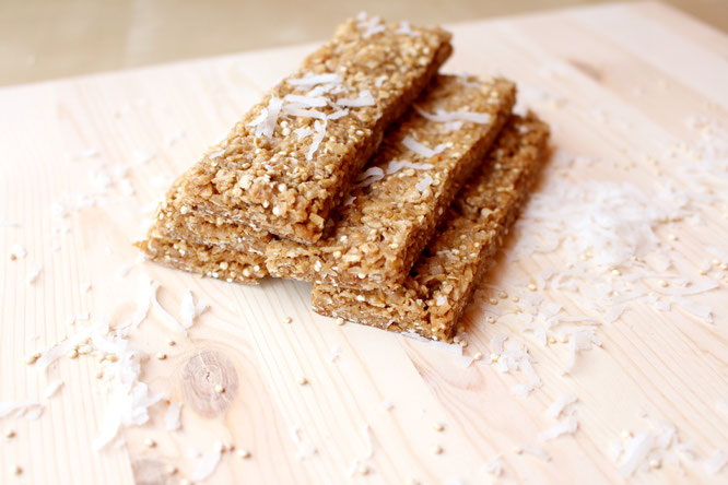 Soft, chewy coconut granola bars with quinoa, puffed rice, flax, oats, and vegan protein! These taste way better than most store-bought bars!  http://bit.ly/1H5Ugst