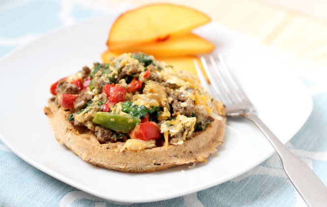 Breakfast Beef Sausage, Egg, and Veggie Waffle Pizzas #AD