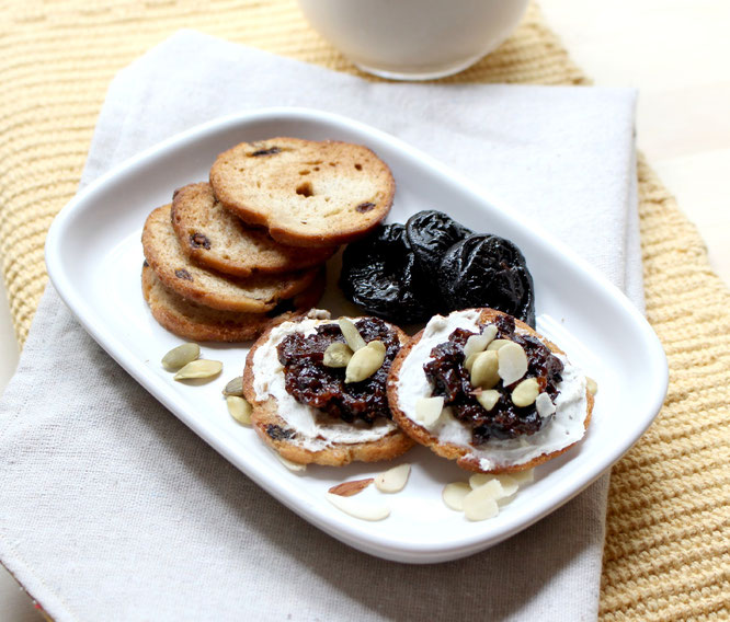 California dried plums are the perfect addition to these cinnamon cream cheese breakfast bites!  This is such a tasty breakfast! #ad- www.homemadenutrition.com
