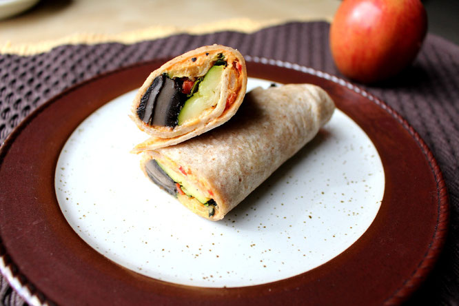 delicious homemade vegan veggie wraps with hummus are the perfect light lunch or dinner option! - by homemade nutrition - www.homemadenutrition.com