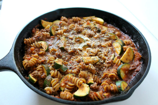 healthy lasanga skillet - delicous and diet-friendly!  by homemade nutrition - www.homemadenutrition.com