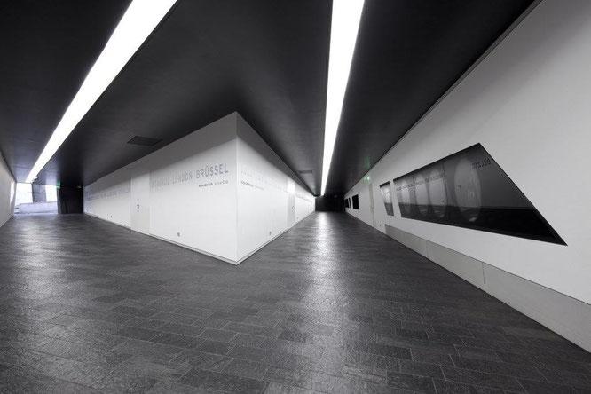 Innenansicht des Jüdisches Museums Berlin mit seinen Achsen. © Jüdisches Museum Berlin / Foto: Thomas Bruns