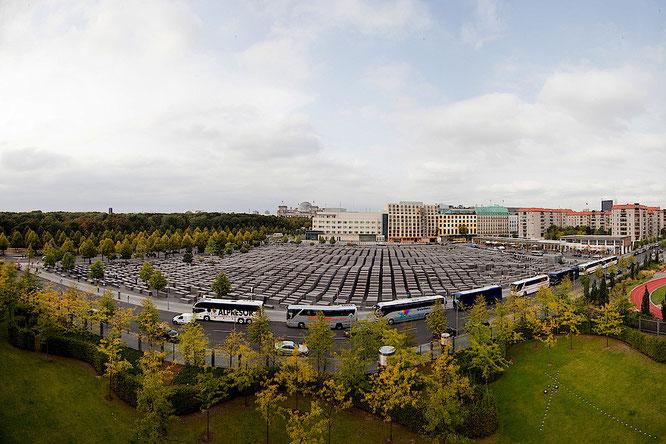 Panorama des Denkmals für die ermordeten Juden Europas mit Stelenfeld. Foto: Marko Priske