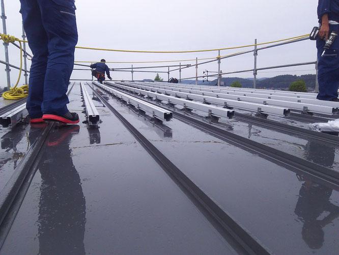 太陽光パネル取付架台設置