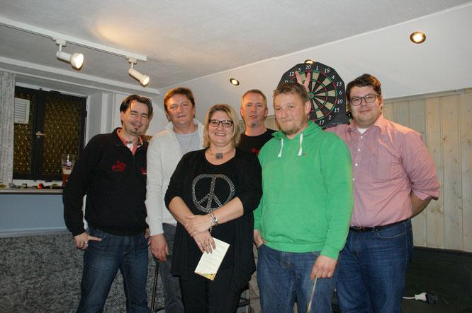 Die Gewinner des Dart-Turniers: Philipp von Wartburg, Thomas Ploschnitznigg, Sylvia Haberstock-Kiesenbauer, Christian Ploschnitznigg, Max Weindl, Florian Stiegler