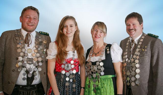 Gewehrkönig Max Weindl, Jugendkönigin Theresa Heuwieser, Damenkönigin Karin von Wartburg und Pistolenkönig Thomas Weißgerber