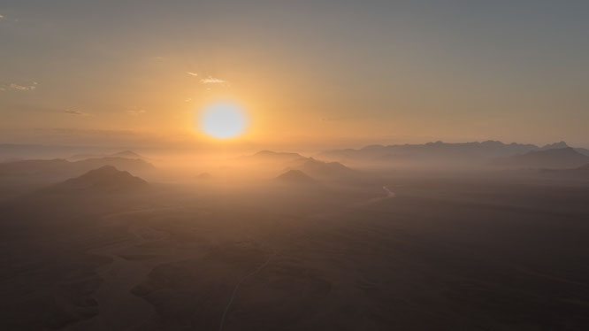 Namib sky balloon safari Namibia - Namib Naukluft Park, Sossusvlei - sunrise high above the ground, a marvelous experience