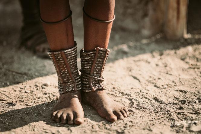 himba fußschmuck epupa kaokoveld namibia