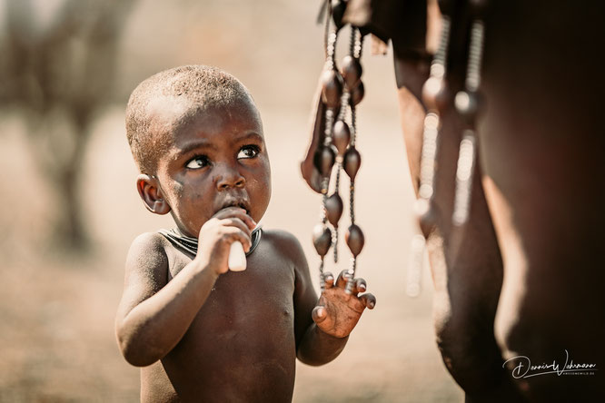 himba junge epupa kaokoveld namibia