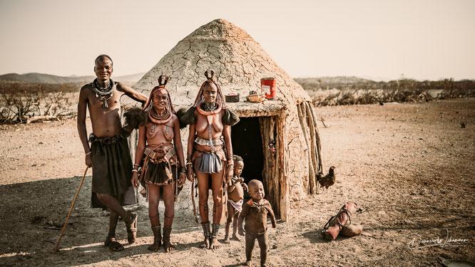 himba familienfoto epupa kaokoveld namibia