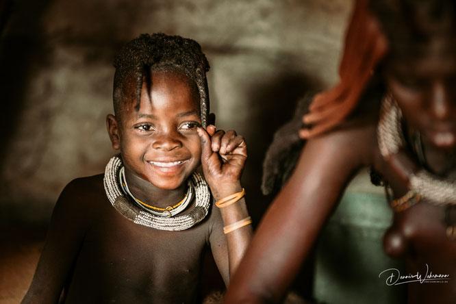 himba mädchen kunene kaokoveld namibia