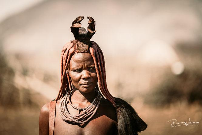 himba frau epupa kaokoveld namibia