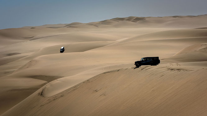 "Am Ziel angekommen, auf den Dünen, direkt an der sogenannten ""Long Wall"". Die letzten Meter werden zu Fuß zurückgelegt."