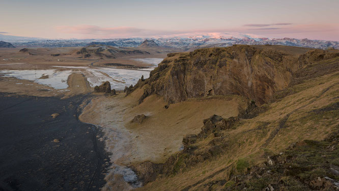 View from Dyrhólaey towards the Vatnajokull Nationalpark | Iceland 2016