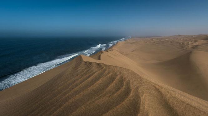 """Der Ausblick von den bis zu 100 Meter hohen Dünen der """"Long Wall"""" ist einfach unbeschreiblich und atemberaubend..."""