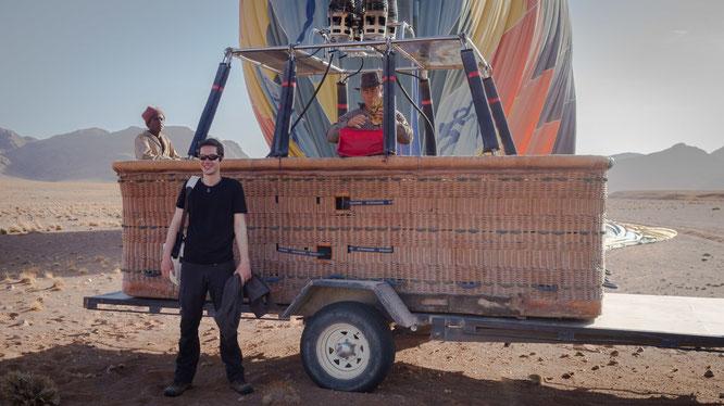Namib sky balloon safari Namibia - Namib Naukluft Park, Sossusvlei - Manie and myself in front of the car