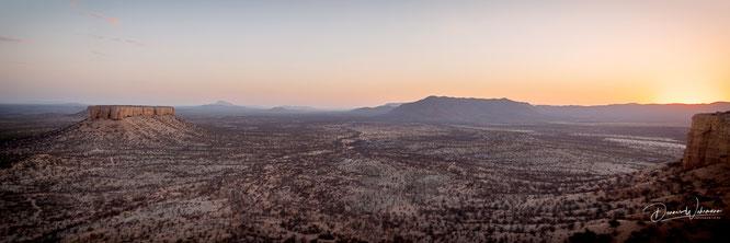 nikon d850 14mm panorama fingerklip namibia - sonnenuntergang