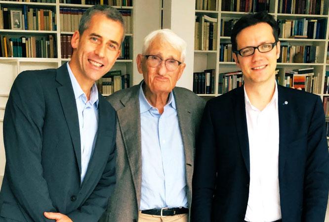 """""""Hausbesuch bei Habermas"""": Gespräch mit J. Habermas und dem Salzburger Theologen M. Dürnberger in Starnberg"""