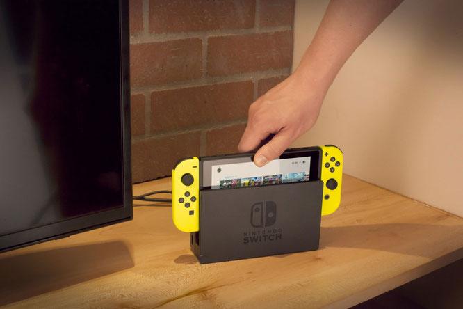 Ist wegen des mobilen Zusatznutzens erfolgreich, aber auch teurer als die System-Performance vermuten lässt: die Switch