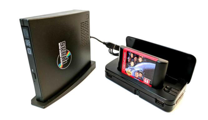 """Ein Traum für Retro-Fans: Die """"Seedi"""" schluckt angeblich Games für verschiedenste CD-Systeme - per Adapter versteht die Hardware außerdem einige Cartridge-Formate."""