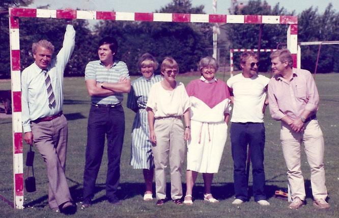 Lærerkollegiet 1984, t.v.: Wilhelm Klüver, Eilif Haase, Grethe Klüver, Inge Lauridsen, Grethe Mikkelsen, Willi Petersen, Hans Erik Larsen
