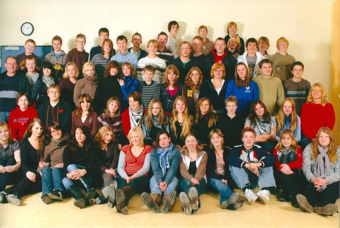 Den første fællesskoleklasse (optagelse fra 2007 i F9). Bibiana er den 5 nederst fra venstre