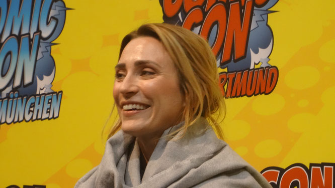Jessica Harmond (The 100) at Comic Con Ahoy
