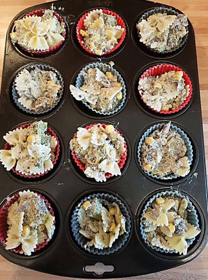 Vegetarische Nudelmuffins fürs Baby-led Weaning oder auch ältere Kinder: Breifreies Rezept auf Mama-Blog Patschehand.de