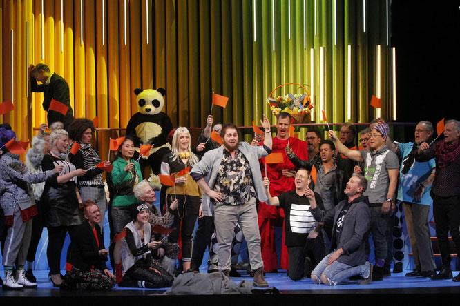 Markus Jaursch, Richard van Gemert, Sebastian Joest, Chor und Extrachor, Foto Klaus Lefebvre