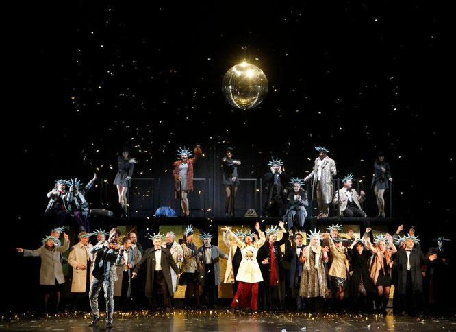 Ensemble, Chor, Tänzerinnen, Foto: Klaus Lefebvre