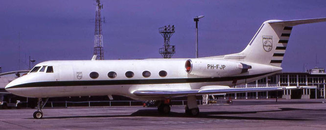 Early 1970's - PH-FJP (GII, 78) - Sydney-Kingsford Smith International - (C) John M. Wheatley