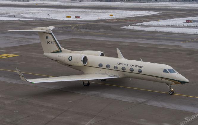 19-01-2017 - J-756 (G450, 4090) - Zurich, Switzerland - (C) JvR Spotter