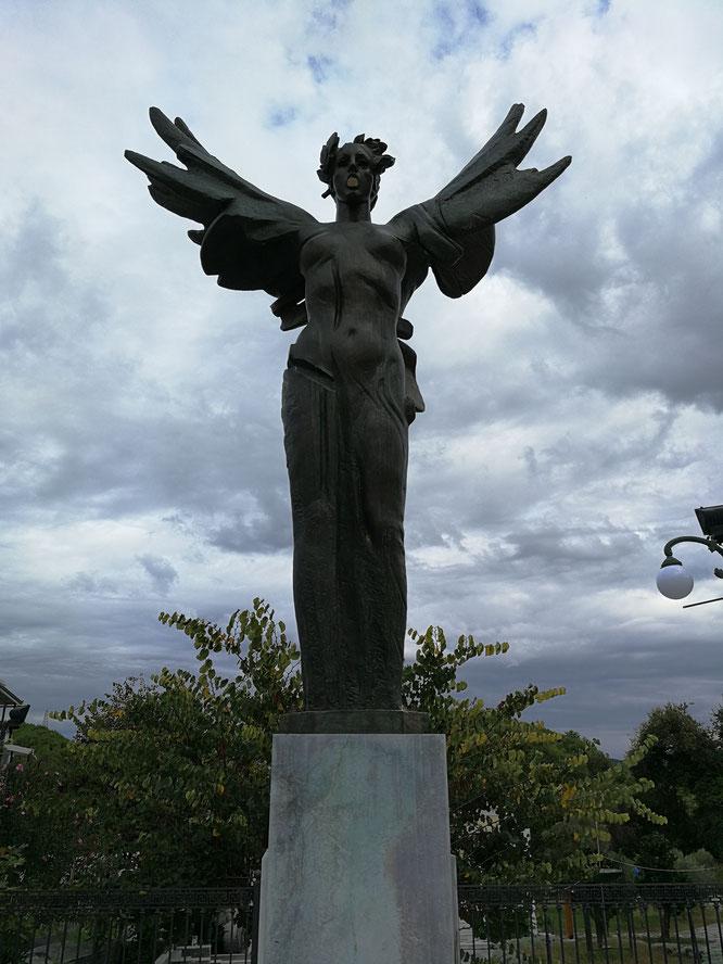(с) Дамир Байманов. Статуя Ники - богини победы.