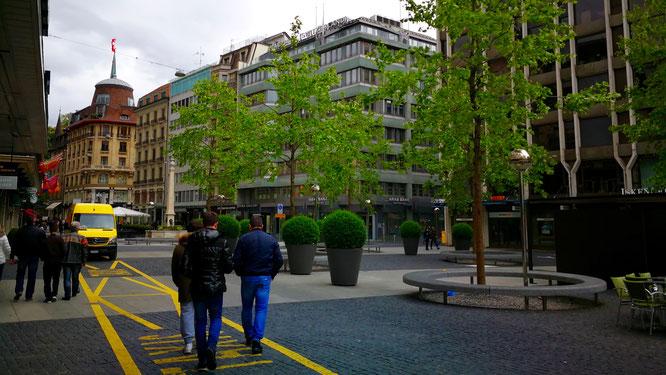 (с) Дамир Байманов. Будучи родиной производителей часов класса «люкс», Женева является самым важным городом по производству часов в мире.