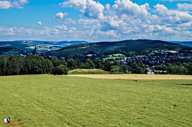 Blick auf Schneeberg und dem Gleesberg