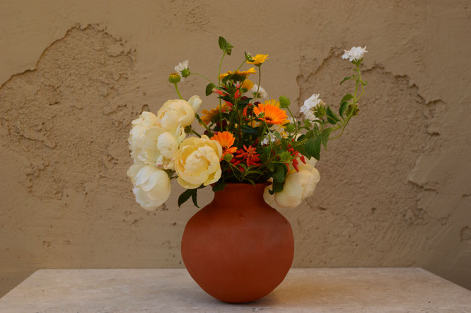 in a vase on monday, iavom, monday vase, small sunny garden, desert garden, amy myers, photography, garden blog, pottery, ceramics, earthenware, handbuilt, coiled