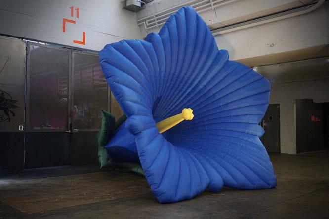 Aufblasbares Riesen Enzian, Blumendeko