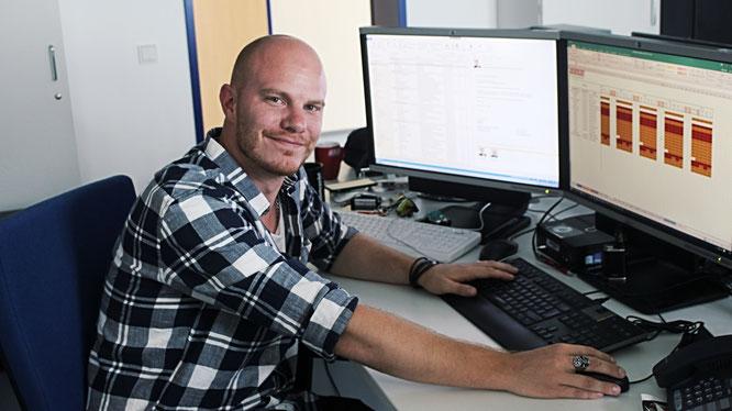 Senior System Engineer Tobias Stark ist für URANO bei der Bundesnetzagentur im Einsatz