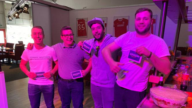 So sehen Sieger aus: Eric Lamb, Mirco Halterbeck, Cagatay Yar und Kai Weber freuen sich über ihren teaminternen Olympia-Erfolg