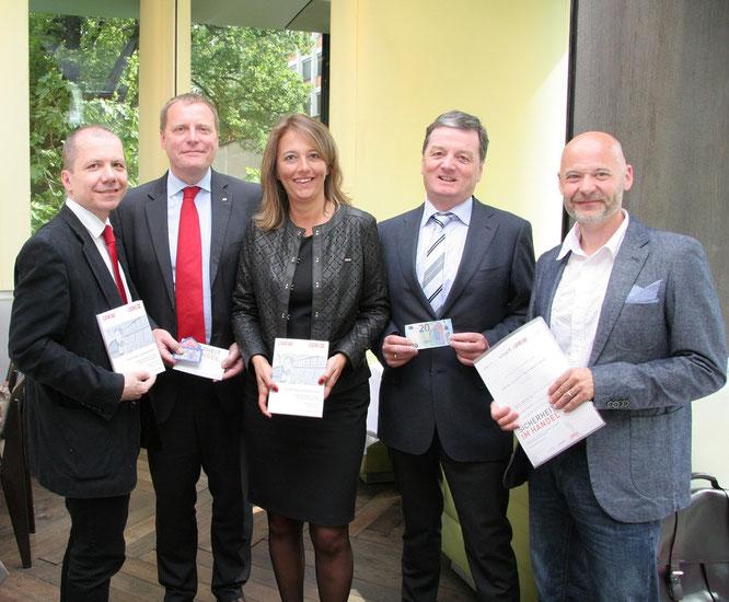 V.l.n.r: Roman Seeliger, Robert Spevak, Bettina Lorentschitsch, Stefan Agustin, Herwig Lenz (Foto: WKÖ/Rupprecht)