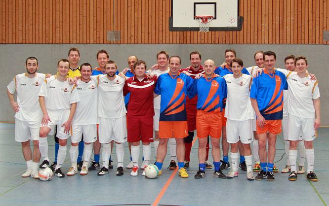 """Ein Erfolg der Freundschaft: Erster internationaler Vergleich mit unseren Gästen der 8. Mannschaft von """"Futsal Olympia Haarlem"""" (FOH 8)(Foto: Galkova)"""