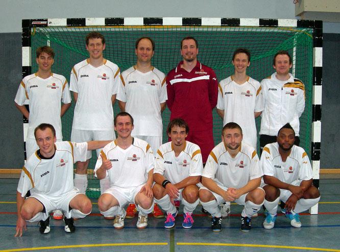 """Gut gelaunt zum ersten Dreier: """"Futsalicious Essen I"""" in Gladbach (Foto: Gött)"""