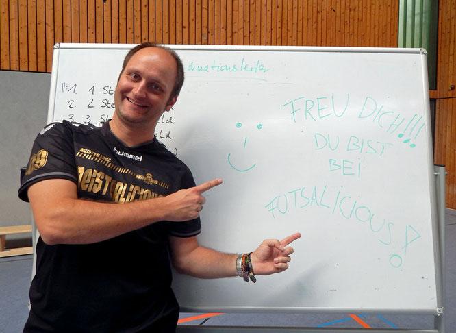 Freu dich, du bist bei Futsalicious! Steffen Bonnekamp tritt zurück und bleibt. (Foto: Henneken)
